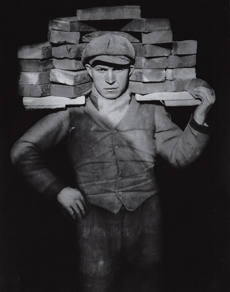 Bricklayer August Sander 1928