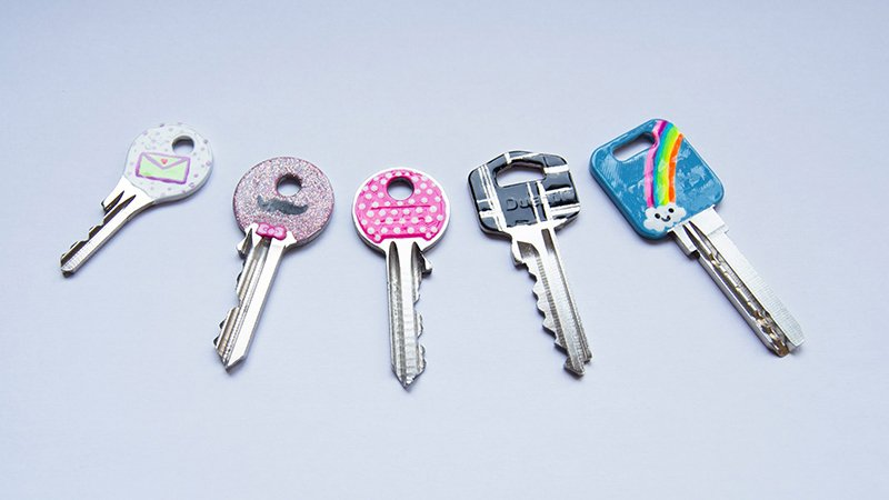 How to decorate your keys With nail polish